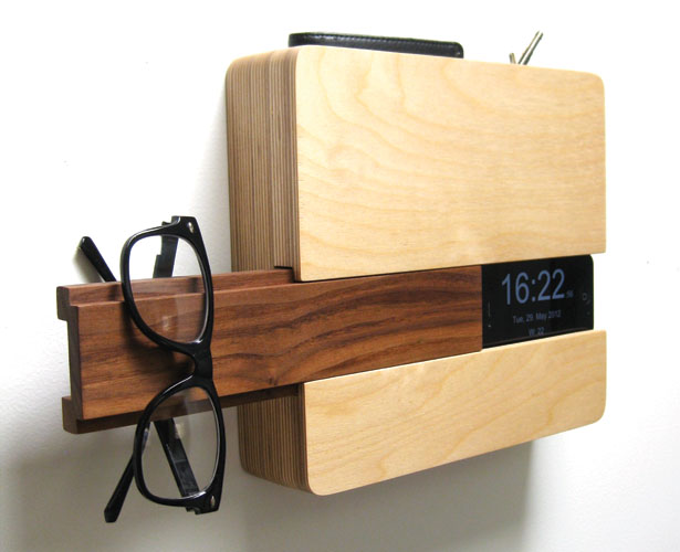 A Design Award 2012-2013 winners - The Butler Home Organizer/Wall Clock by Curtis Micklish