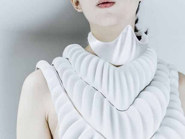 AMPHIBIO 3D-Printed Amphibious Garment for Aquatic Future by Jun Kamei
