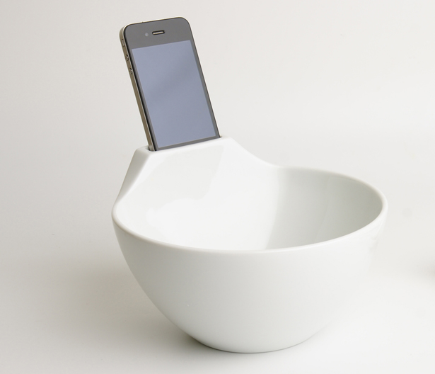 Anti-Loneliness Ramen Bowl by Daisuke Nagatomo and Minnie Jan