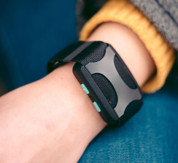 Apollo Wearable Device Activates Your Body's Natural Response to Relief Stress