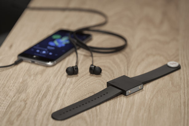 Basslet Wearable Subwoofer for Your Body by Lofelt