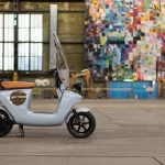 Retro Modern Be.e Electric Scooter by Van.Eko