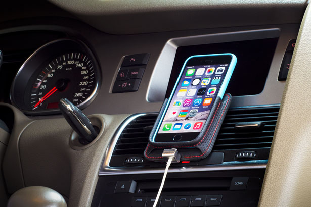 Berrolia iPhone 7 Car Mount by Andre Fangueiro