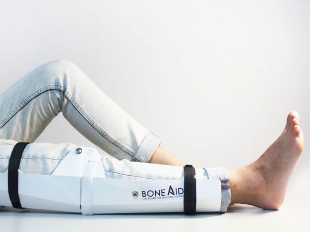 BoneAid Flat-Packed Board For Fixing Fractures by Wang Yu Chi, Huang Yu Man, and Chen Jia Ling