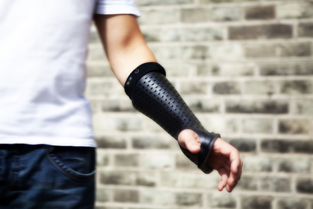 Bones Orthopedic Cast with Sensors by Pedro Nakazato Andrade