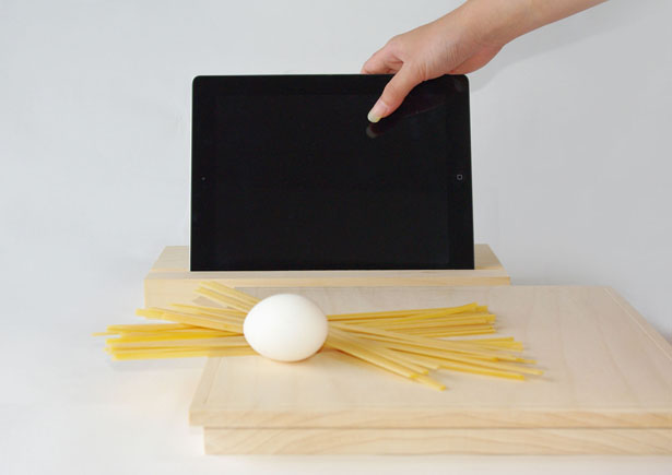 Bosco Cutting Board and Tablet PC Stand