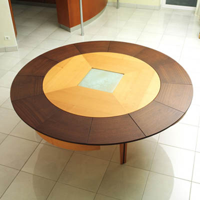 Expanding Table from Braun Woodline