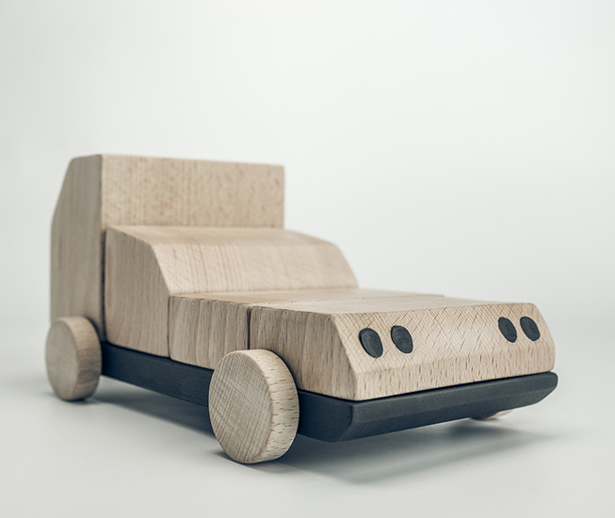 BRUMM Wooden Car Toy by Unai Rollan