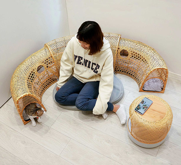 Catyou In A Circle - Modern Cat Furniture by Ling Yueh-Ting and Wang Chia-An