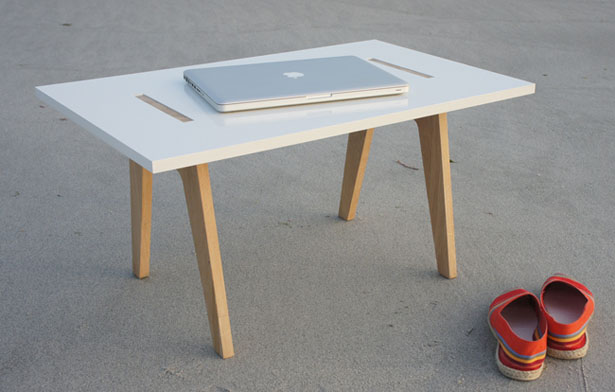 Come Back Home Table by Clément Brouillat