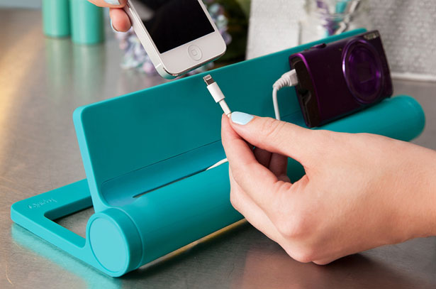 Converge : 4-port USB Charging Station by Jin Chai