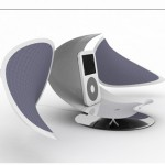 HUG : Sleek and Sexy iPod Dock Charger