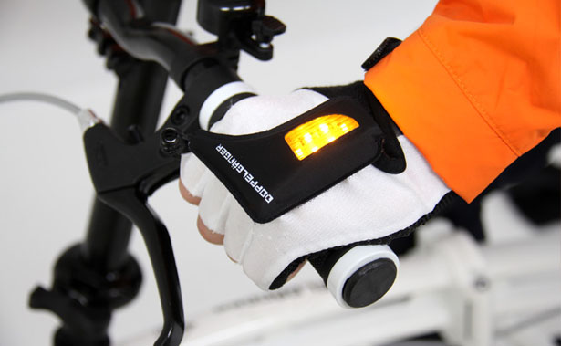 LED Turn Signal Gloves for Both Cyclists and Motorists
