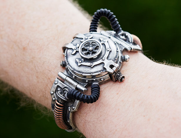 EER Steam-Powered Entropy Watch - a Pocket Watch for Your Wrist