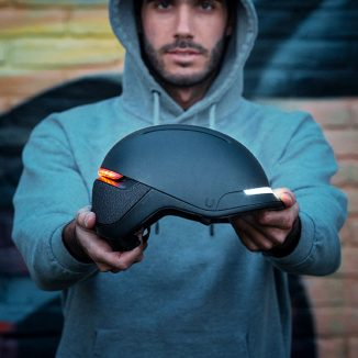 """FARO Stylish Smart Urban Helmet with """"Fall Detection"""" Feature Sends SOS Message of Rider's Location"""