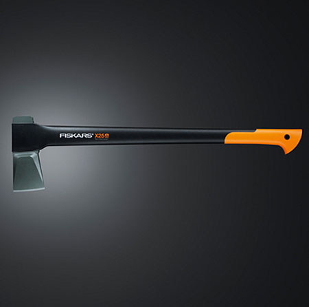 fiskars-x-range-axes-by-fiskars-r&d-and-billnäs