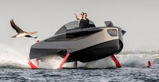 Foiler Flying Yacht Rides The Waves at 40Knots with Two Hybrid Engines