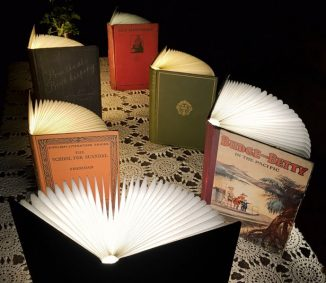 Portable Folding Vintage Book Lamp Runs for 8 Hours of Continuous Use