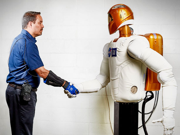 GM Nasa Space Robot Power Glove