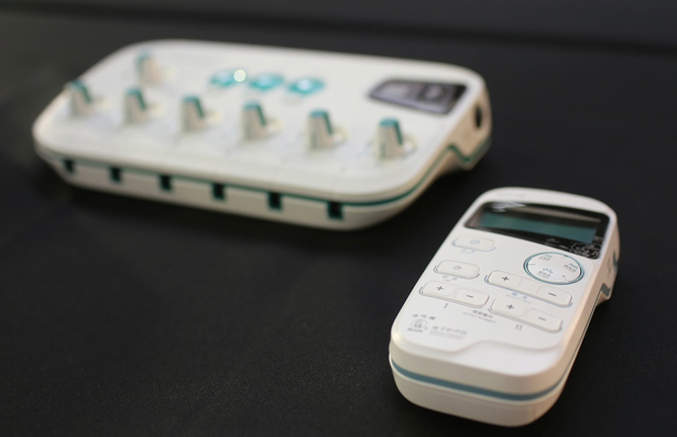 Golden Pin Design Award 2014 - Electronic Acupuncture Treatment Instrument by Shenzhen Perth Industrial Design Co.