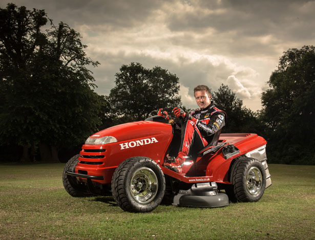 Honda Hf2620 Lawn Tractor World S Fastest Lawn Mower Yet