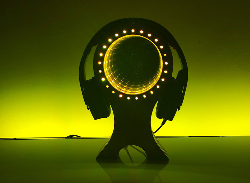 RGB LED Infinity Mirror Headset Stand