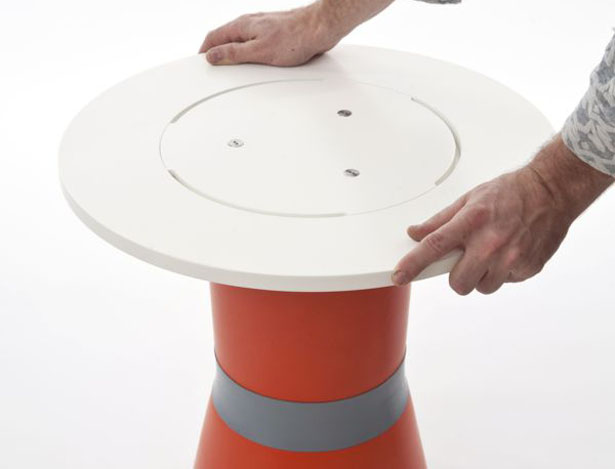 Inflatable Furniture - Inflatable Sidetable and Inflatable Stool by Philipp Beisheim