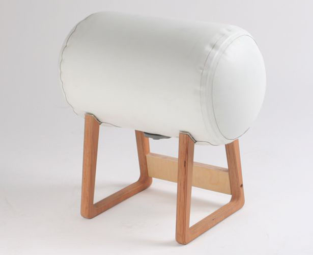 Inflatable Furniture : Sidetable and Stool by Philipp Beisheim