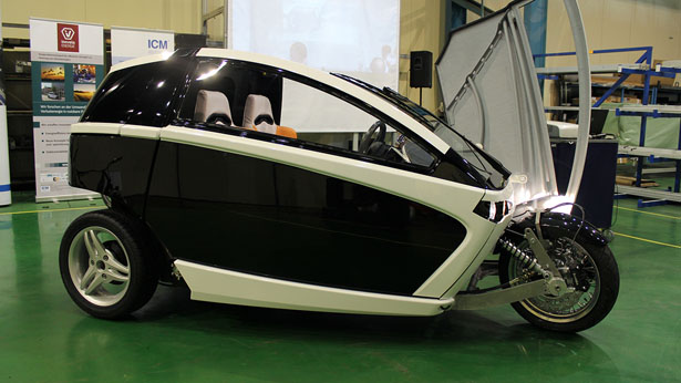 Innvelo Three 2-Seater Personal Vehicle by FORM & DRANG