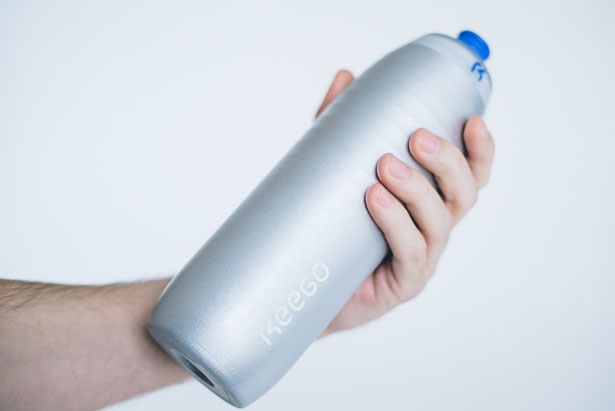 KEEGO: Squeezable Metal Bottle