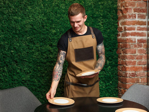 Canvas Apron with Leather Pocket Sends Off Masculine Vibe