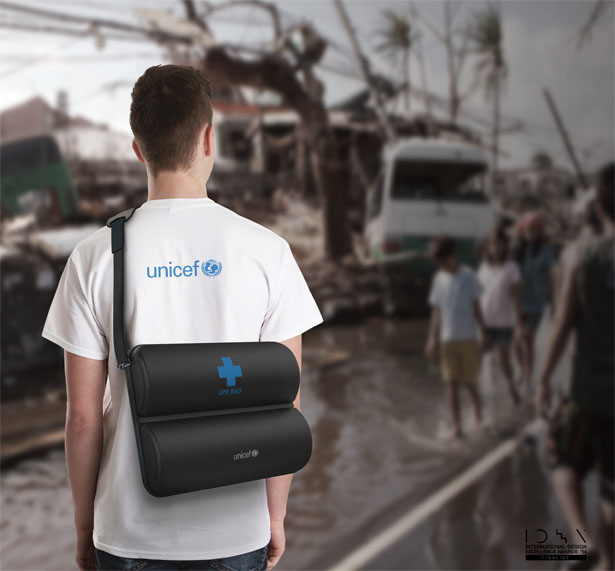 Life Bag Wearable Medical Kit by Kyuho Song