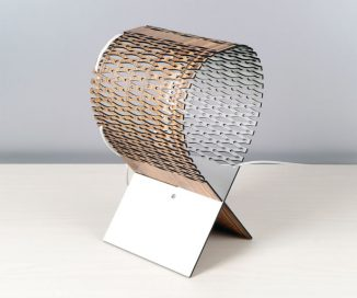 LYNX – A Flexible Wooden Lamp That Creates Cool Effects of Light and Shadow