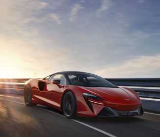 McLaren Artura – Low-Nose, Cab-Forward, and High-Tail Stance Represents Pure, Hybrid Supercar