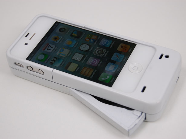 Mipwr iPhone 5 Charger by Bob Panos and Karl Lee