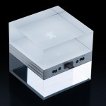 Mobiado m|Cube Luxury Charger Stand Is Made of Glass Cube
