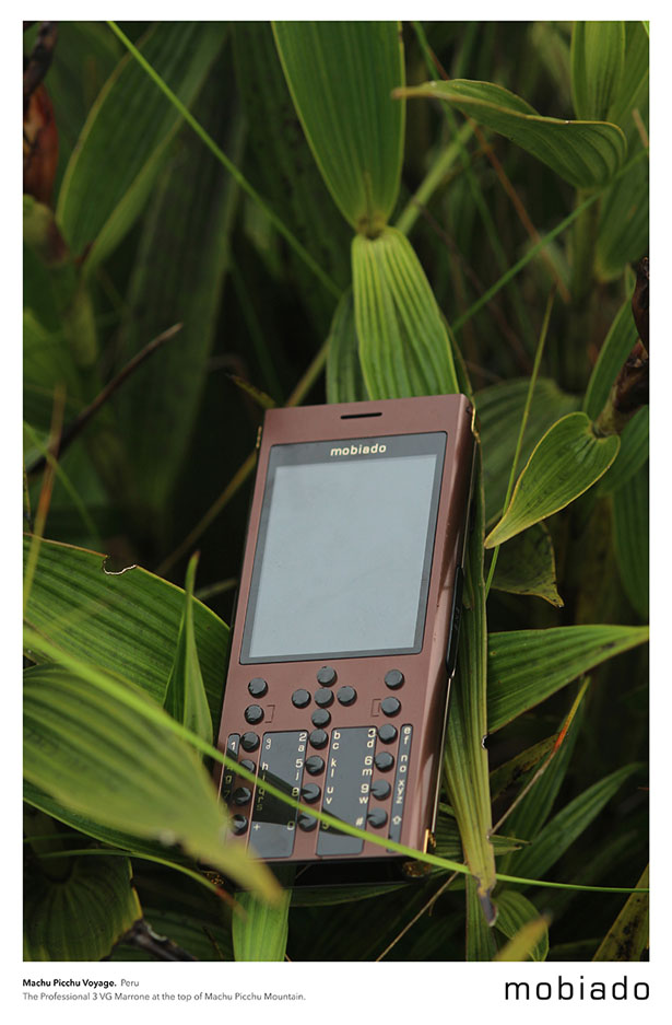 Mobiado Professional 3 VG Collection Cell Phone
