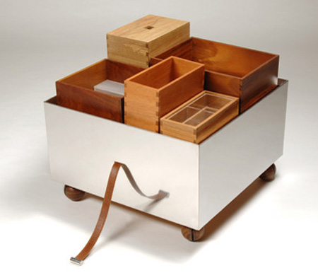Mobile bar furniture by isay winefield tuvie for Mobile furniture