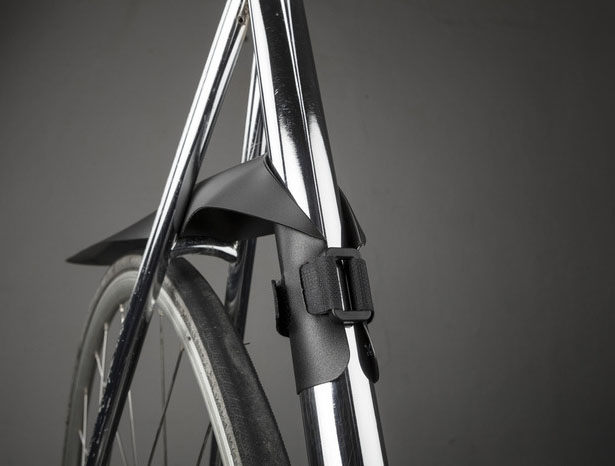 Musguard Rollable Bike Fender by Jurij Lozic