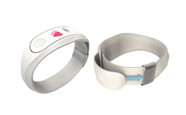 Near&Dear Wearable Technology Connects Caregivers with Their Patients