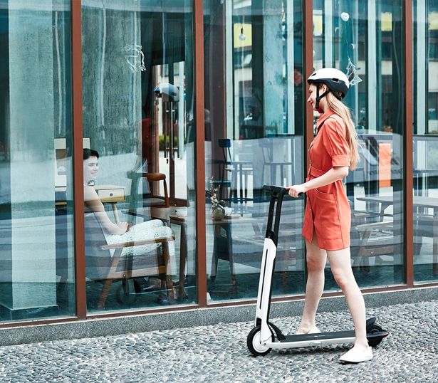 Urban Commuting Gets Easier with Ninebot KickScooter Air T15