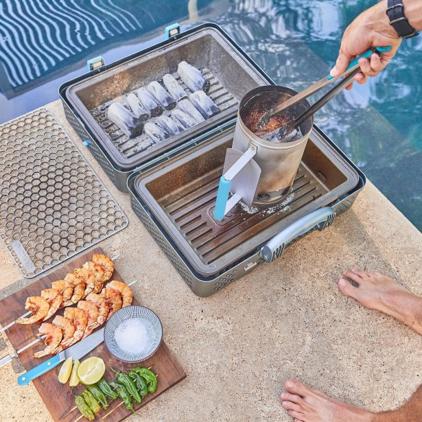 Nomad Portable Smoker and Grill Looks Like One of James Bond's Suitcase
