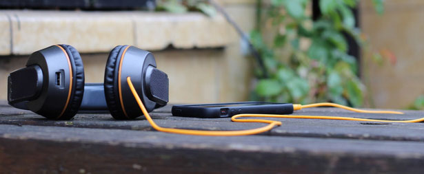 OnBeat Solar Headphones by Andrew Anderson