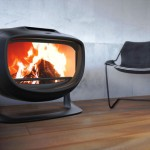 Panthera Wood Stove Features Bulky and Curvy Body