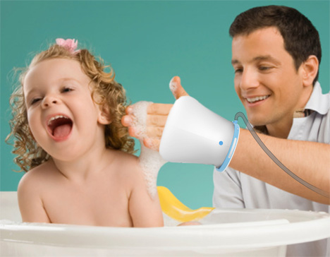 Parent-Child Sprinkle For A Great Moment Bathing The Baby