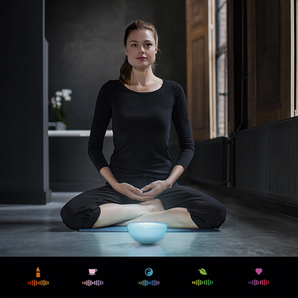 control philips hue go portable light wirelessly with your. Black Bedroom Furniture Sets. Home Design Ideas