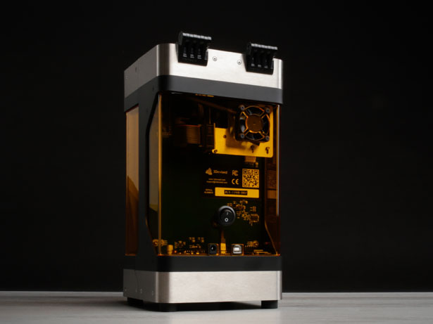 PLUTO World's Smallest High-Quality 3D Printer by Viktor Banko