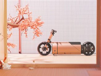 Puch e-Maxi Moped Is Powered by a Fixed Battery and a Removable Power Bank