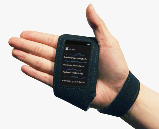 Q : Wearable Captioning Device for hearing impaired people