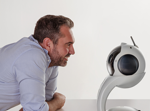 Q.bo One : An Open Source Robot for Wide Variety of Applications